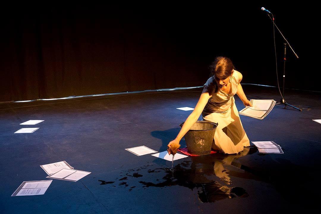 Anaïs Pellin dans L'Amant © Jean-Charles Labarre, Spinprod